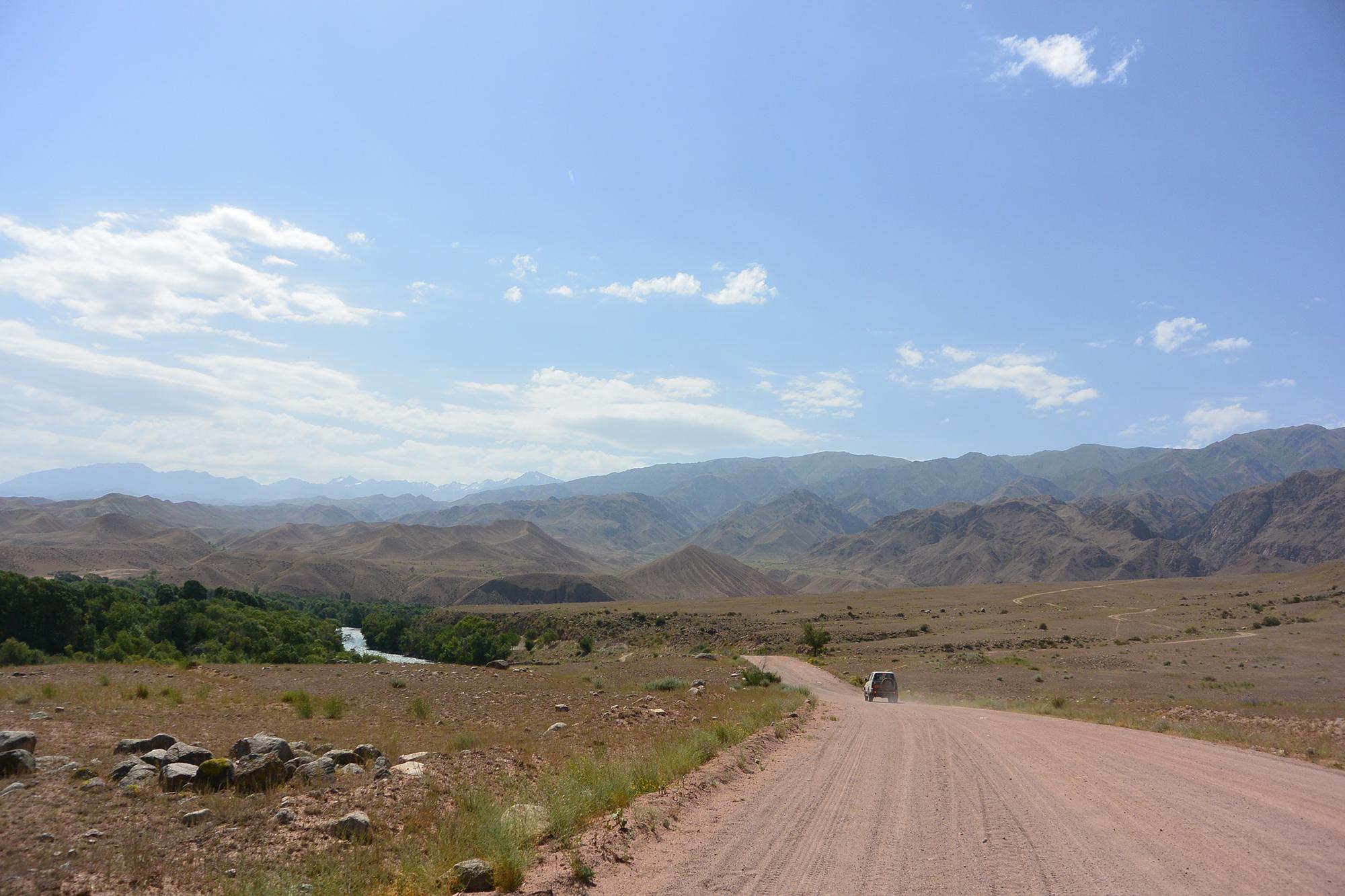 Onverharde wegen Kirgizie