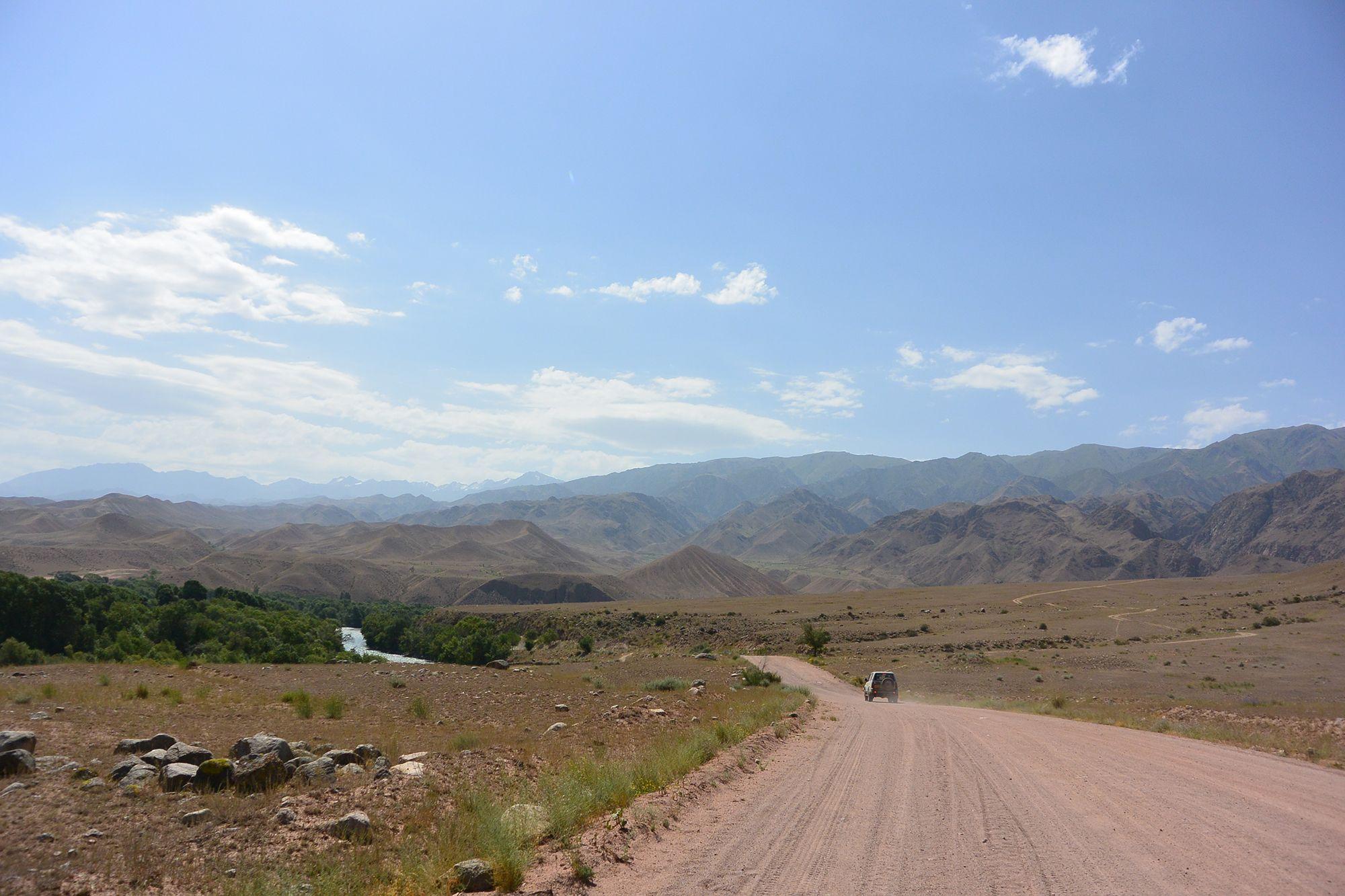 onverharde-wegen-kirgizie